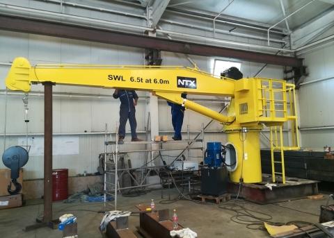 Hydraulic crane 5t at 6m